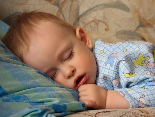 Trẻ mở miệng khi ngủ: Cảnh báo những vấn đề sức khỏe không thể xem thường
